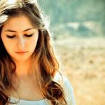 Низкая самооценка: причины, последствия, способы борьбы