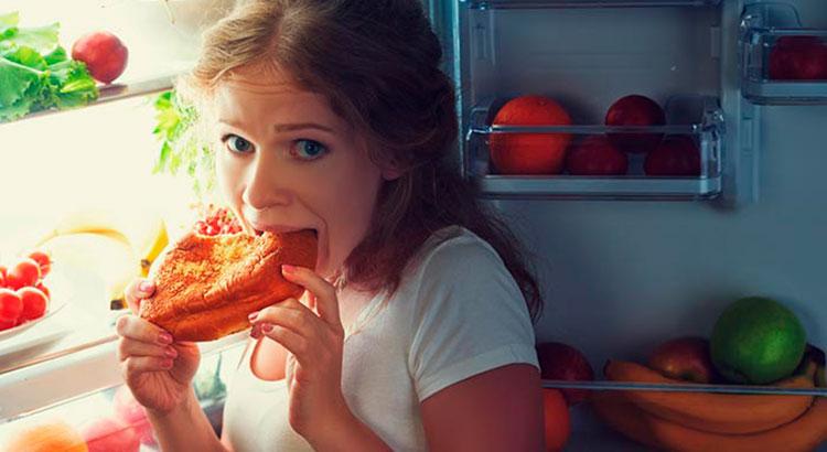 Как не наедаться перед сном и обмануть голод? 9 советов