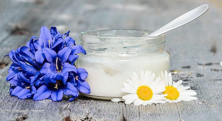 15 способов использования кокосового масла в косметических целях