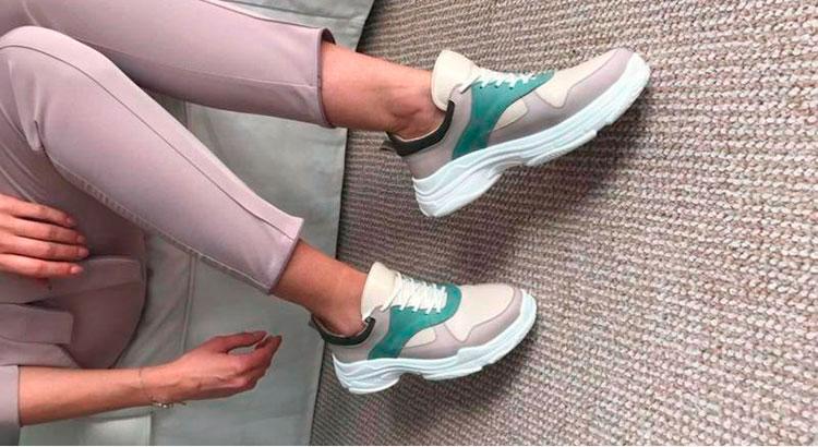 Модные варианты женских кроссовок