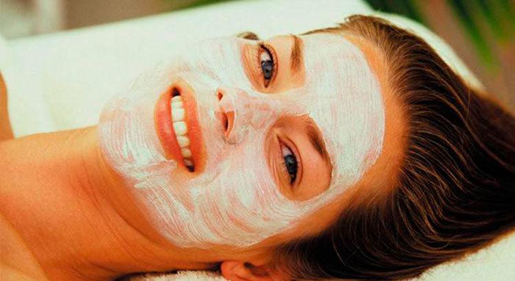 Как сохранить молодость на долгие годы? Топ-5 рецептов омолаживающих масок