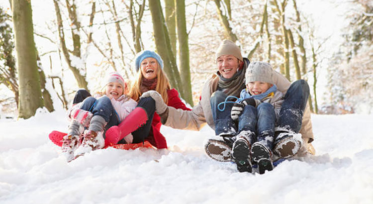 Как развлечь ребенка на зимних каникулах