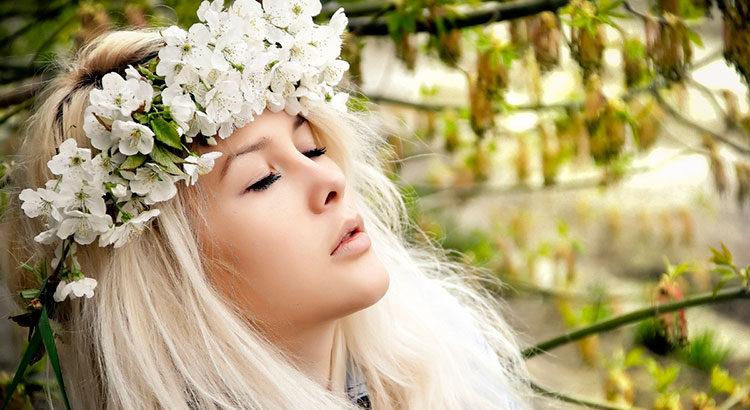 Как быстро предотвратить выпадение волос весной