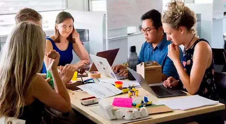 5 женских привычек, мешающих построению карьеры