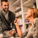 Служебный роман: чем опасны отношения с коллегой?