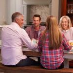 Как ужиться в одной квартире молодым и пожилым