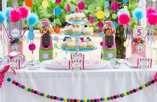 Как оформить сладкий стол на праздник своими руками