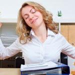 7 упражнений, которые можно делать на работе