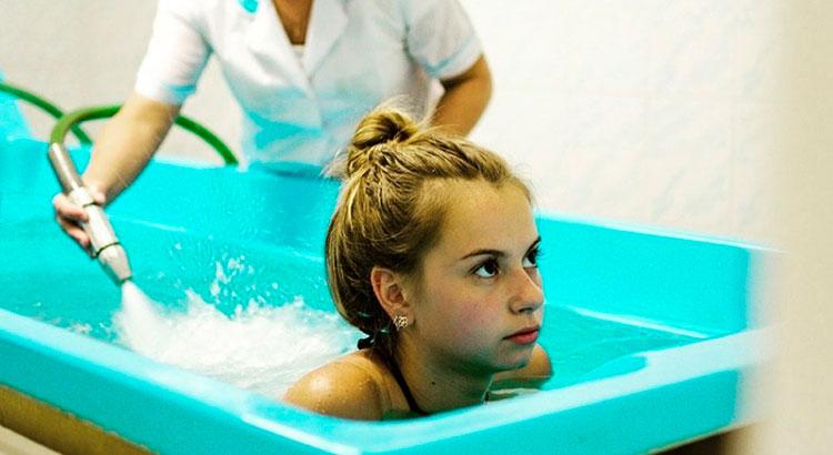 Подводный душ-массаж: польза и противопоказания